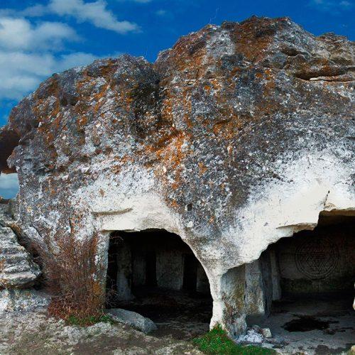 cave-city-mangup-kale