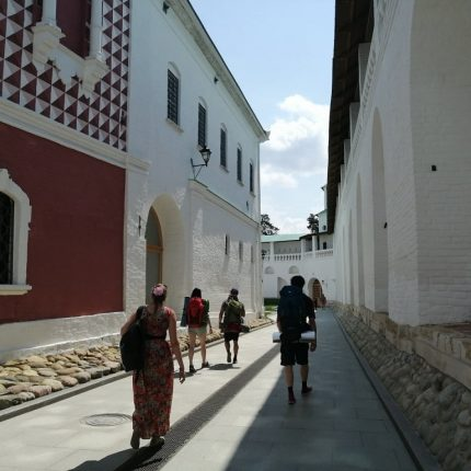 стены храма